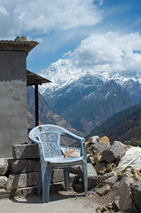 Mountain Throne ([Kevin] [McCarthy]) Tags: chair throne game plastic hike hiking trek trekking rubbe rocks mountain himalayan india uttarakhand seat sit relax elevation altitude