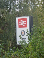 Widney Manor Station - sign (ell brown) Tags: solihull westmidlands england unitedkingdom greatbritain widneymanor tree trees widneymanorstation widneylane chilternrailways westmidlandstrains westmidlandsrailway chilternmainline sign nationalrail britishrail