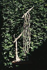 Garden sculpture (olovsebastian) Tags: film filmphotography analog analogue analoguephotography analogphotography nikon nikonf501 f501 colorplus200 kodak kodakcolorplus200