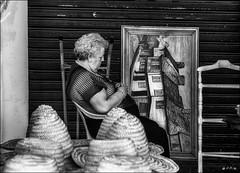 Une nuit difficile....?  /  A hard night...? (vedebe) Tags: humain urbain urban human femme chapeau hat marché ville city rue street noiretblanc netb nb bw monochrome espagne
