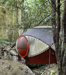 antti lovag, habitologue: prototype near his workshop in the forests of tourrettes-sur-loup, late 1960's or early 1970's (seier+seier) Tags: antti lovag maison bulles prototype experimental architecture tourrettessurloup france maisongaudet maisondurouréou bubble house architect habitologue jenskristianseier seierseier creative commons cc
