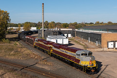 CP 7010/7015 at Foley Wye (shawn_christie1970) Tags: minneapolis minnesota unitedstatesofamerica cp7010 cp7015 cp197 foleywye train railroad canadianpacificrailway cp shoreham sd70acu emd rebuilt heritage fall