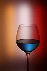 Colore (*Chris van Dolleweerd*) Tags: wine drink blue bar cocktail liquid chrisvandolleweerd glass wineglass red yellow reflection
