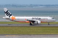 Jetstar Airbus A320-232; VH-VFH@AKL;19.10.2019 (Aero Icarus) Tags: aucklandinternationalairport auckland newzealand akl plane avion aircraft flugzeug