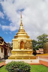 Wat Phra Singh in Chiang Mai 5.9.2019 2120 (orangevolvobusdriver4u) Tags: archiv2019 2019 thailand totallythailand chiangmai norththailand temple tempel wat watphrasingh gold