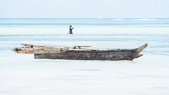 Zanzibar ,douceur bleue (Hélène Baudart) Tags: zanzibar barque peche afrique lumixg9 bleu mer