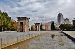 Templo de Debod - Madrid (EduOrtÍn.) Tags: estanque templo debod ciudad edificio monumento egipcio egipto madrid