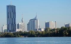 Skyline von Wien... (Zatato) Tags: wien donau