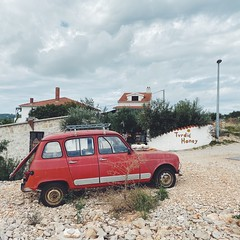 renault 4 (mennyj) Tags: vacation travel croatia maslinica split germany munich fall 2019 mobile iphone iphone11 europe international adriatic sea dalmatian coast renault four 4 car vintage red turdic honey shop solta island honeybees