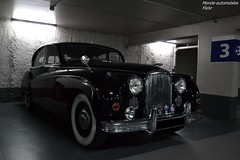 Jaguar MKVII (Monde-Auto Passion Photos) Tags: voiture vehicule auto automobile cars jaguar mkvii berline noir black ancienne classique rare rareté collection parking sousterrain france fontainebleau