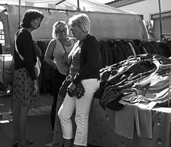gossips - weekly market - Cambrils, Tarragona, Catalonia, Spain - Oct 2019 (Dis da fi we) Tags: weekly market cambrils tarragona catalonia spain gossips gossip