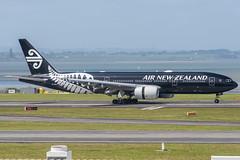 Air New Zealand Boeing 777-200ER; ZK-OKH@AKL;19.10.2019 (Aero Icarus) Tags: aucklandinternationalairport auckland newzealand akl plane avion aircraft flugzeug
