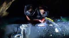 Underwater cave (YellowSingle 单黄) Tags: hero7 gopro exploracion bulle plongeur sousmarine plongée yellowsingle exploration phare lumiere flashlight foctec diver diving dive buzos buceo speleo syphon caverne grotte cavern cave bubble air belharra