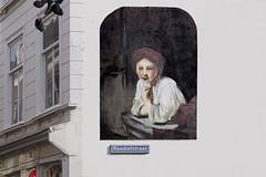 Jong meisje aan het venster (Roel Wijnants) Tags: jongmeisjeaanhetvenster rembrandt mural koediefstraat art kunst muur centrum wandelvondst wandelen roelwijnantsfotografie somerightsreserved ccbync hofstijl haagspraak denhaag thehague absoluteleythehague cityilove fotogebruik licentievoorwaarden graffiti caspercrusevanadrichem painting