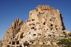 kapadokya (adilekin) Tags: sonya6000 smcpentaxm28mmf28 pkmount lensserial8327762 kapadokya cappadocia nevşehir aksaray turkey landscape manualfocuslens sunnyday travel trip touristic rock scene view bluesky