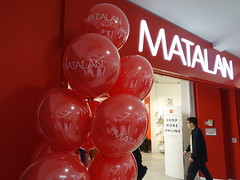 New Matalan store now open at St Georges Shopping Arcade (Tony Worrall) Tags: matalan stores shops red open new clothes stgeorgesshoppingcentre balloon celebrate sign signage preston lancs lancashire city welovethenorth nw northwest north update place location uk england visit area attraction stream tour country item greatbritain britain english british gb capture buy stock sell sale outside outdoors caught photo shoot shot picture captured ilobsterit instragram photosofpreston