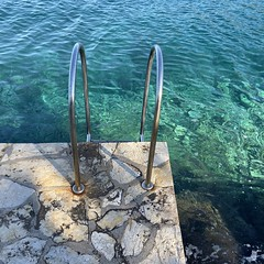 that color (mennyj) Tags: vacation travel croatia maslinica split germany munich fall 2019 mobile iphone iphone11 europe international adriatic sea dalmatian coast green blue water clear pier ladder