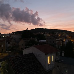 sunset & night lights (mennyj) Tags: vacation travel croatia maslinica split germany munich fall 2019 mobile iphone iphone11 europe international dalmatian coast sunset homes houses airbnb view cloud pink light