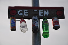 Geen - None (Vinylone AFS-UTS) Tags: sign noalcohol nodrinks bottles bottle emptybottles funny weird amazing none geen pole