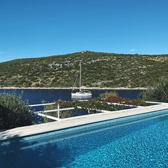 airbnb (mennyj) Tags: vacation travel croatia maslinica split germany munich fall 2019 mobile iphone iphone11 europe international adriatic sea dalmatian coast airbnb pool swim swimming blue green water view sail sailboat