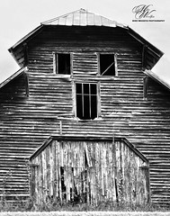 Barn in Dalton, GA (Mike Woodfin) Tags: mikewoodfin mikewoodfinphotography photo picture photography photograph photos photoshop pretty barn backroads country county cool contrast color rusty rural rust rustic deserted decrepid decay delapidated defunct destroyed dalton georgia blackwhite blackandwhite black awesome beautiful beauty wood woodwork wooden planks