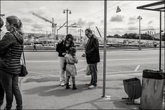 DRD160813_0375 (dmitryzhkov) Tags: urban outdoor life human social public stranger photojournalism candid street dmitryryzhkov moscow russia streetphotography people bw blackandwhite monochrome tourist bridge travel tripper excursion