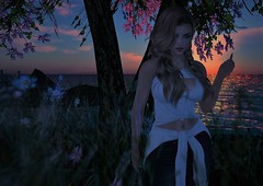 Sometimes it´s easy sometimes it´s not ... (Goddessredlady) Tags: sunset naturaleza nature sea mar arbol tree flores flowers love amor sentimientos feelings thoughs pensamientos arte art emotions emociones sadness tristeza melancolia melancholia recuerdos memories secondlife avatar noche night anochecer alma soul