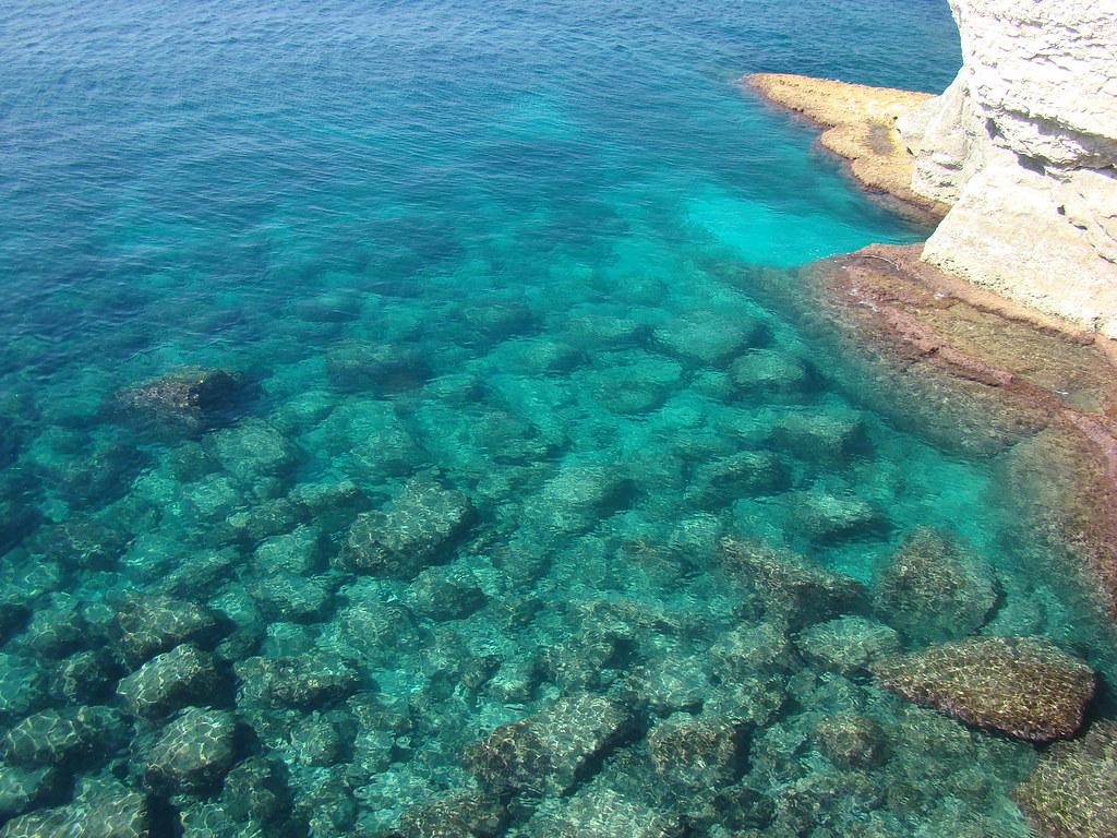 фото: Море у скал Рош-ха-Никра