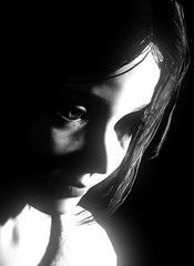Little girl [Alt.] (L1netty) Tags: theevilwithin theevilwithin2 tangogameworks bethesdasoftworks bethesda pc game gaming pcgaming videogame reshade screenshot virtual digital srwe 5k character lily girl female people portrait closeup face light shadows blackandwhite monochrome bw