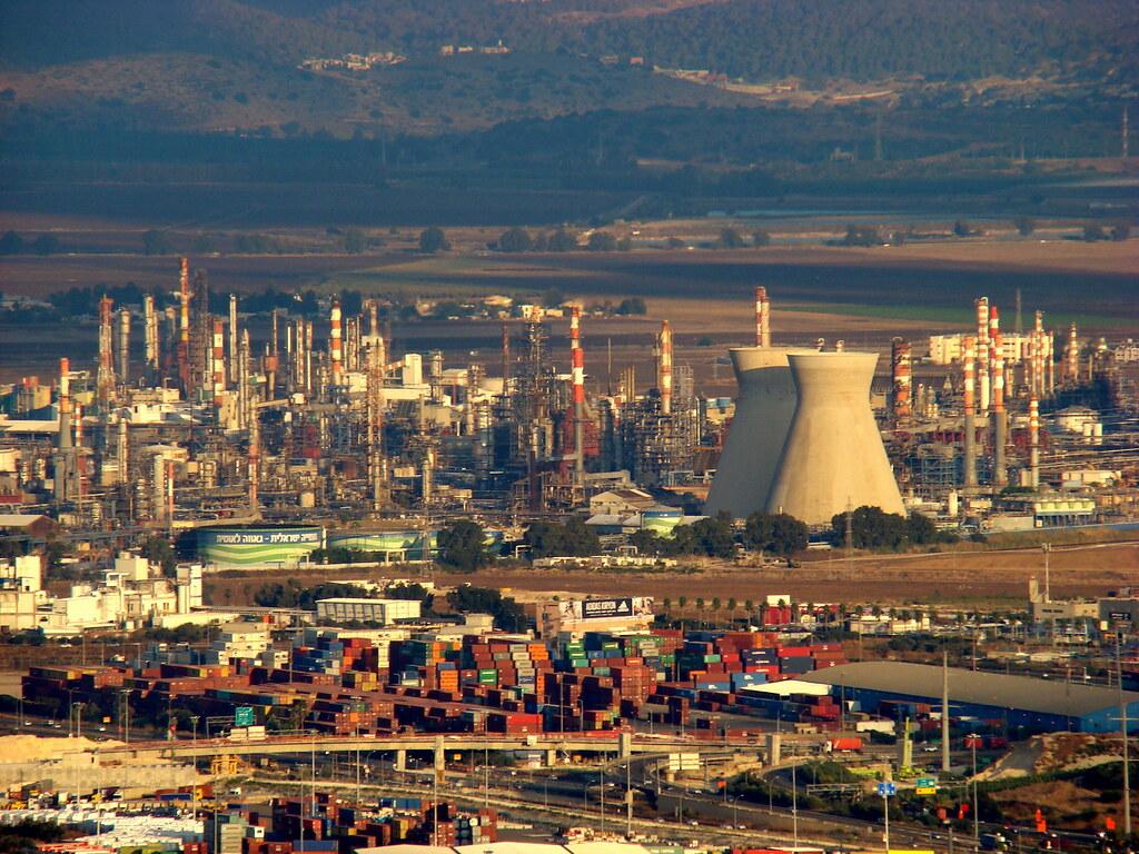 фото: Промышленный район Хайфы