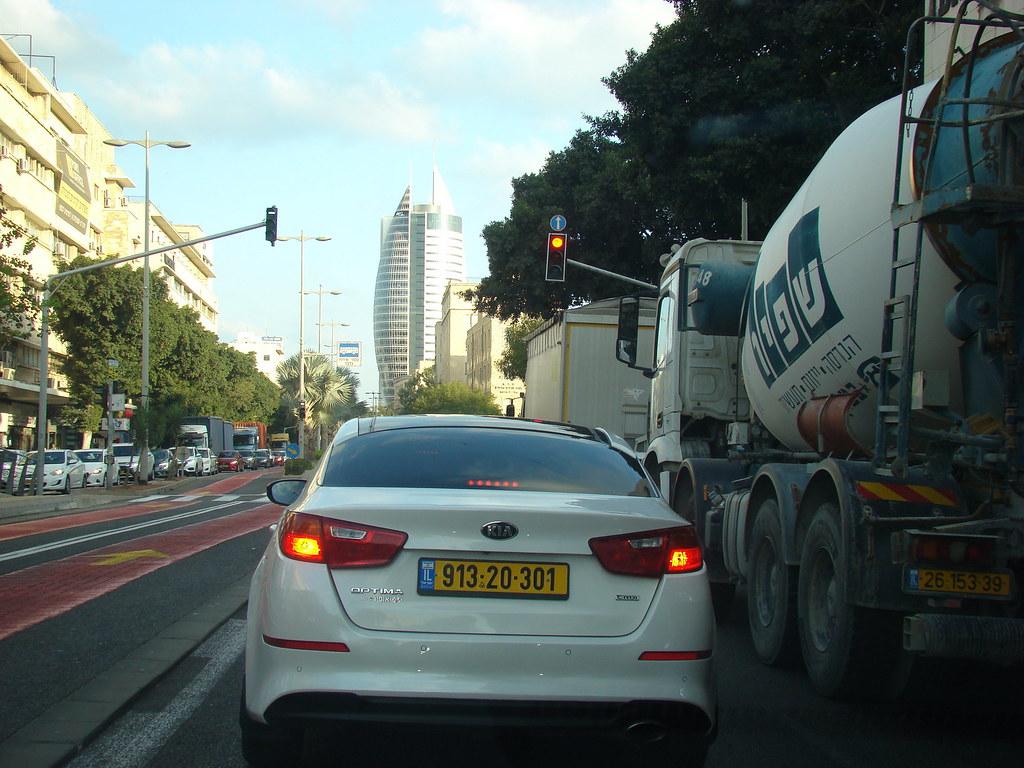 фото: Полоса для автобусов в Хайфе