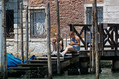 Venice, Italy (wildhareuk) Tags: canon canoneos500d grandcanal italy people tamron18270mm venice venice2019 water pilings steps tamron wood img9901dxo