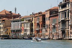 Venice, Italy (wildhareuk) Tags: canon canoneos500d grandcanal italy tamron18270mm venice venice2019 water boat bulding tamron img9902dxo