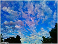 Coloreando el cielo (Claudio Andrés García) Tags: clouds nubes cielo sky skyscape fotografía photography cellphone smartphone naturaleza nature springs primavera