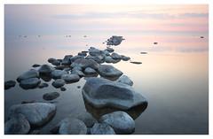 Mare Tranquillitatis (leo.roos) Tags: visbystrandby norderstrandscamping visby oostzee balticsea sky cloud sea sunset rock zweed aarde sohoog zonsonder rots zeesch water weer weerspiegeling gotland heliosautowideangle128f28mm m42 a7 helios2828 madeinjapan swedengotlandspring2019 zweden darosa leoroos sweden sverige 2019
