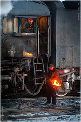 Winter Chores (channel packet) Tags: china steam train locomotive railway railroad footplate crew workers people weather cold transport davidhill