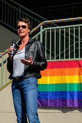 PZ20191015-105.jpg (Menlo Photo Bank) Tags: parent event menloschool people fall 2019 upperschool woman rainbowflag quad photobypetezivkov atherton ca usa