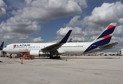 Latam Chile                                       Boeing 767                                           CC-CXE (Flame1958) Tags: latam latamchile latamb767 latamchileb767 boeing767 b767 767 boeing mia kmia miamiairport flap2019 150219 0219 2019 8726