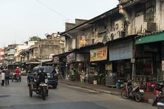 Bangkok China Town (MSM_K_JP) Tags: sony a6500 bangkok thailand people zeiss touit touit1832 planar chinatown old