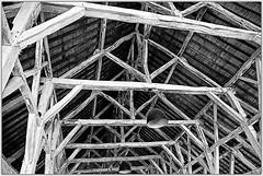 La charpente des Halles de Richelieu, Indre-et-Loire, France (claude lina) Tags: claudelina canon france indreetloire richelieu halle charpente architecture