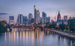 Frankfurt city (Iñigo Escalante) Tags: frankfurt alemania ermany europe city cityscape citylights skyline purple rascacielos skyscraper river main reflections lights sunset night