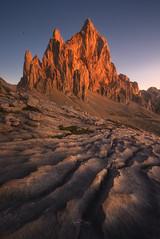 Picos de Europa (Pablo RG) Tags: montaña picos de europa cantabria paisaje nature sunrise nikon rocas spain mountains naturaleza