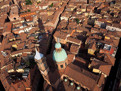 Bologna View ... (█ Slices of Light █▀ ▀ ▀) Tags: torre degli asinelli tower two towers view urban city scape red roofs bologna 博洛尼亚 波隆那 italian italia 意大利 italy olympus em1