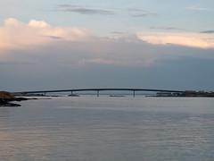 hönö klåva (helena.e) Tags: helenae husbil rv motorhome water vatten hönöklåva bro bridge fotöbron älsa fotö