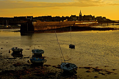 roscoff, golden city (eric-foto) Tags: roscoff sunset coucherdesoleil pennarbed nikond800 finistère harbour port bretagne brittany breizh bzh lowtide