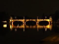 Po river by night... Murazzi view. (VauGio) Tags: murazzi torino turin olympuspenf penf leica leicalens 1260mm notte night po poriver ponte bridge piemonte piedmont lacittàmetropolitanaditorinovistadavoi