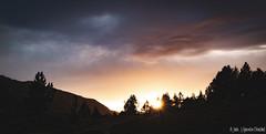 Coucher de soleil dans le Taillefer (Quentin Douchet) Tags: alpes alps auvergnerhônealpes france isère massifdutaillefer nature cloud coucherdesoleil landscape montagne mountain nuage paysage sunset