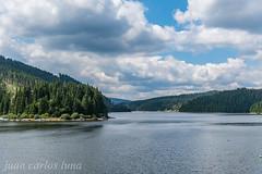 Barajul Lacului Fântânele (juan carlos luna monfort) Tags: lago rumania romania belis cielonublado nubes clouds agua water nikond810 nikon24120 calma paz tranquilidad paisaje landscape montaña