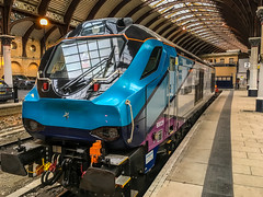 Class 68 at York (Mister Electron) Tags: apple iphonese mobilephone phonecam railway railwaystation railways train trains class68 dieselelectric transpennineexpress york