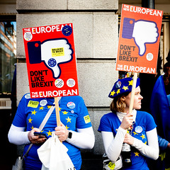 Don't Like Brexit (Sean Batten) Tags: london england unitedkingdom europe brexit people candid protest piccadilly signs streetphotography street fujifilm x100f city urban